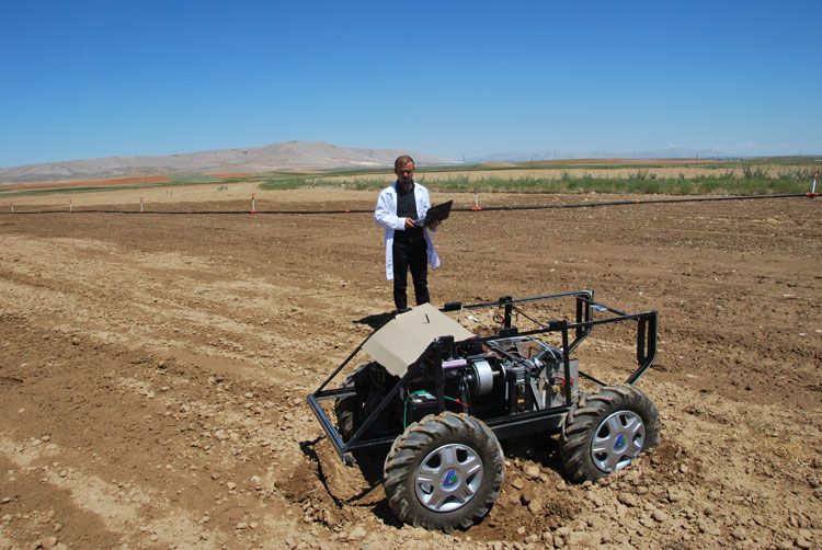 The Fieldwork of AKINSOFT Agriculture Robot ASPNCR2 Performed - 2