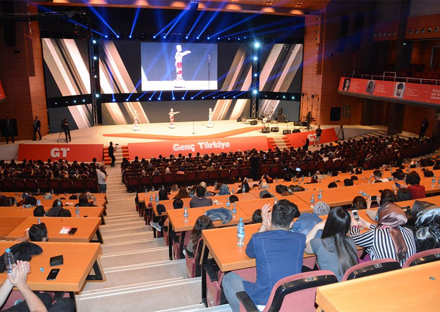 Dr Ozgur AKIN honored with Businessman Award of 2018 Young Turkey Vecihi Hurkus - 5